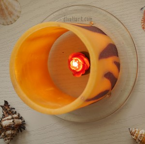 Домашен декор с фенер пламъци и чаена свещичка