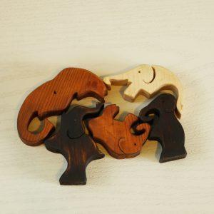 Дървен пъзел със слончета подарък за деца