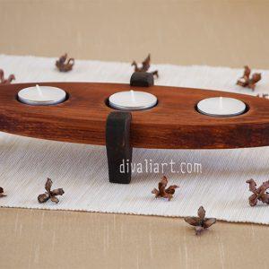 троен дървен свещник